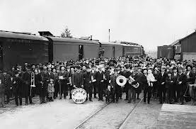band & train